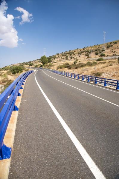 fahrt reisen schiene spanien asphalt reling