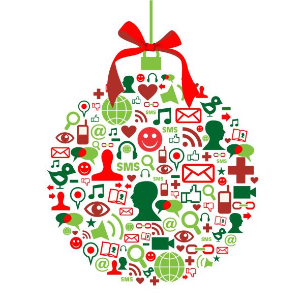 weihnachtskugel mit social media icons