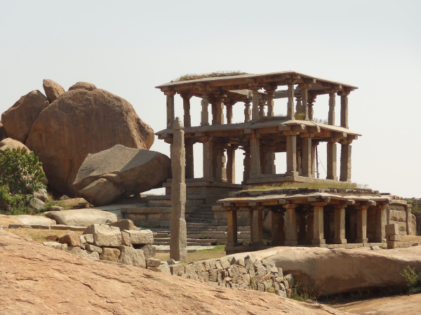 hemakuta hill at vijayanagara