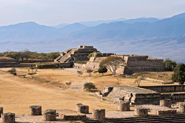 alte ruinen auf dem plateau monte