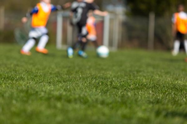 verschwommene soccer kids