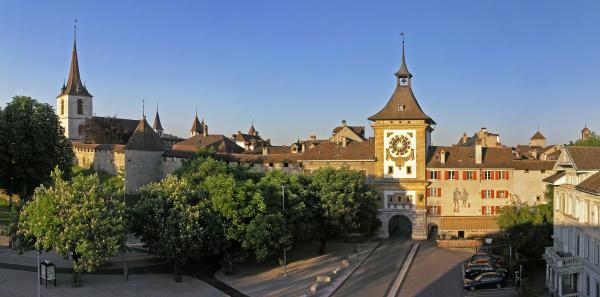 berntor murten historisches glockenturm stadttor
