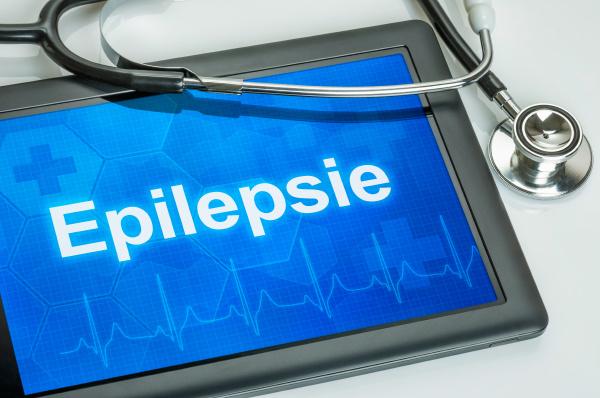 tablet mit der diagnose epilepsie auf