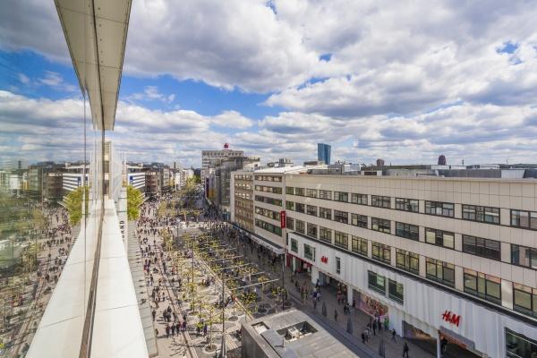 deutschland hessen frankfurt blick auf fussgaengerzone