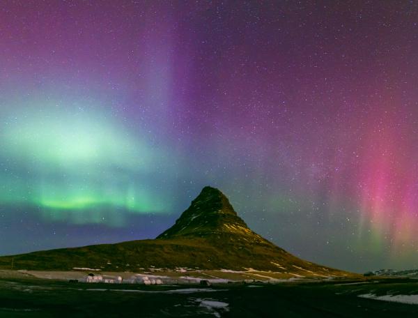 die nordlicht aurora borealis in kirkjufell