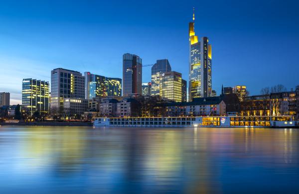 deutschland hessen frankfurt blick von schaumainkai