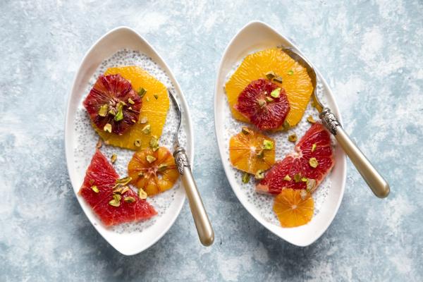 chia pudding und orangenmille und grapefruit