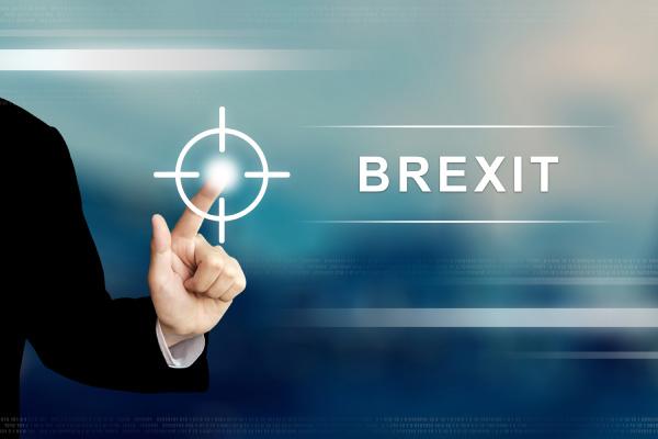 business hand klicken auf brexit oder