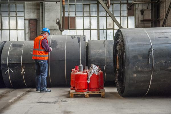 arbeitsstelle industrie herstellung stehend werk fabrik