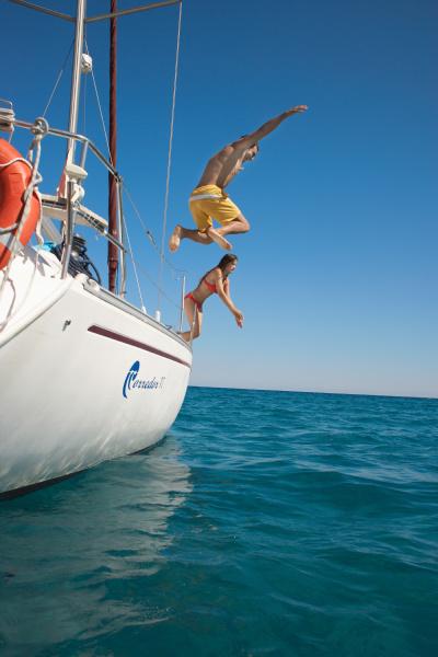 freizeit spanien springen springend springt huepfen