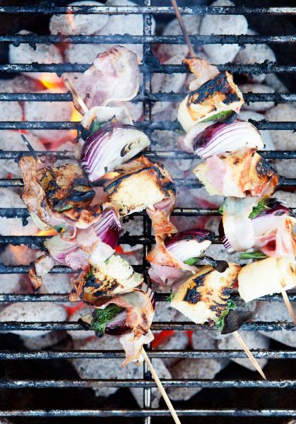 spiesse auf dem grill kocht