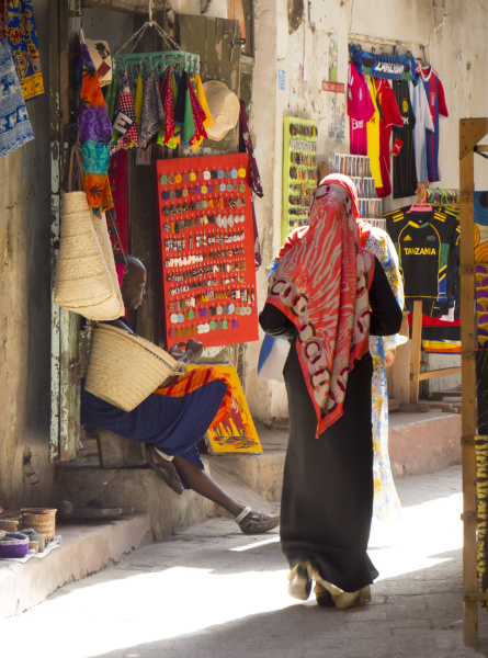 streetscene stone town sansibar tansania ostafrika
