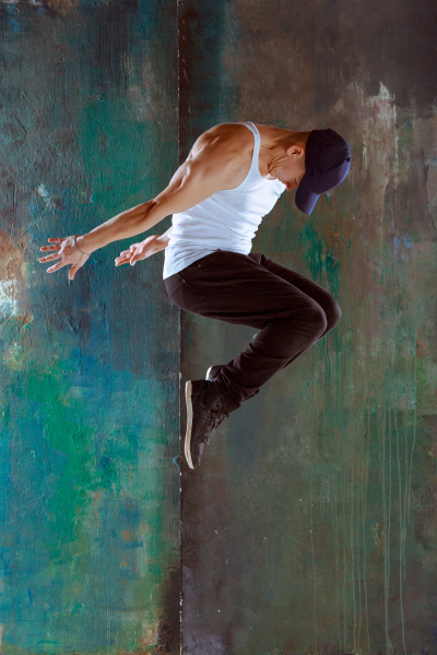 der mann tanzt hip hop choreographie
