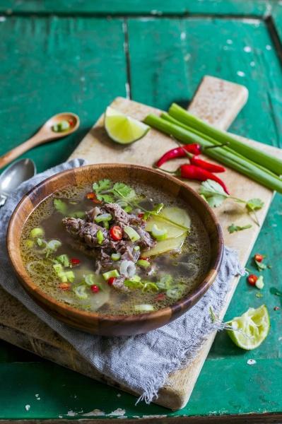 thai suppe mit rindfleisch