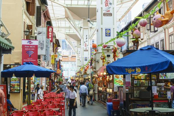 food street in chinatown singapur suedostasien