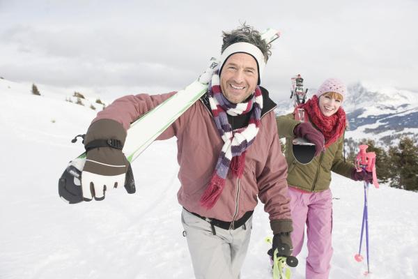 italien suedtirol seiseralm paar das ski