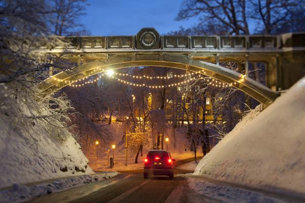 winter bruecke nacht nachtzeit auto automobil