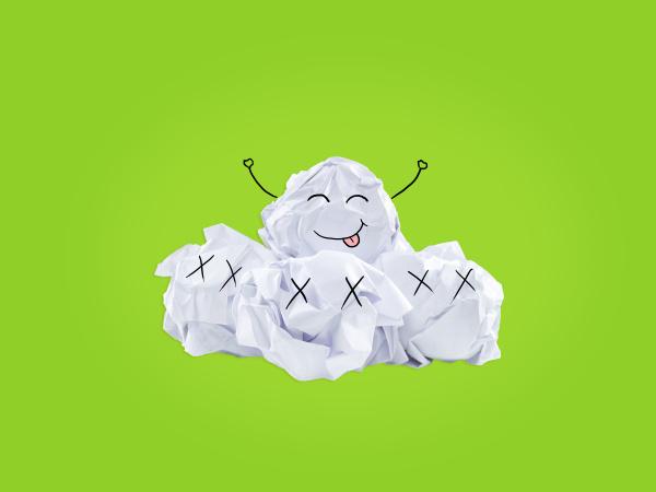 inspiration konzept zerknittertes papier gluehbirne metapher