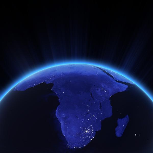 afrika stadt lichter in der nacht