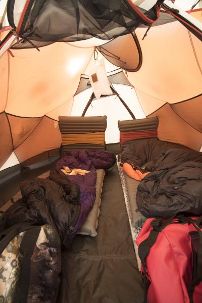 afrika innenraum camping zelt kampen persoenlich