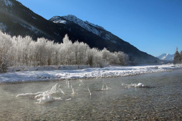 fluss isar bayern eis schnee