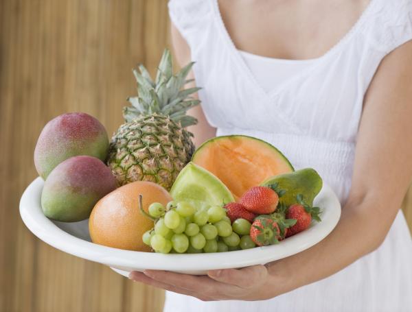 frauenhalteplatte der frucht