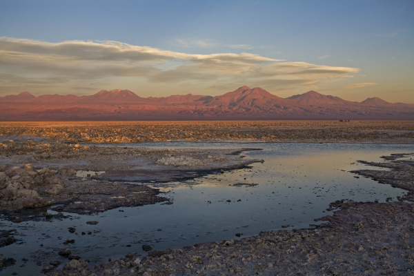 lagune lago chaxa im sonnenuntergang