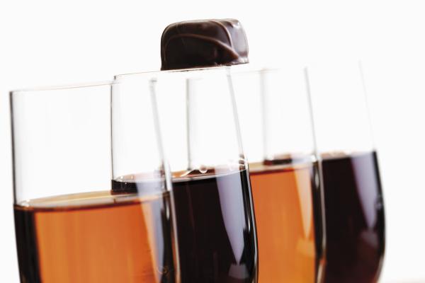 glaser mit sherry und portwein