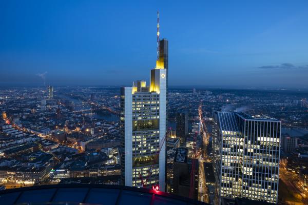 deutschland hessen frankfurt finanzbezirk commerzbank turm
