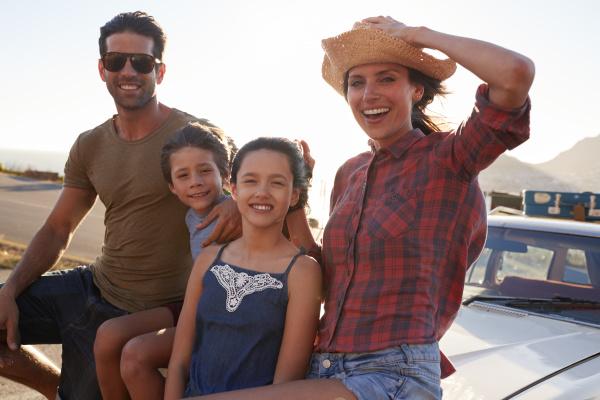 portraet der familie steht neben dem