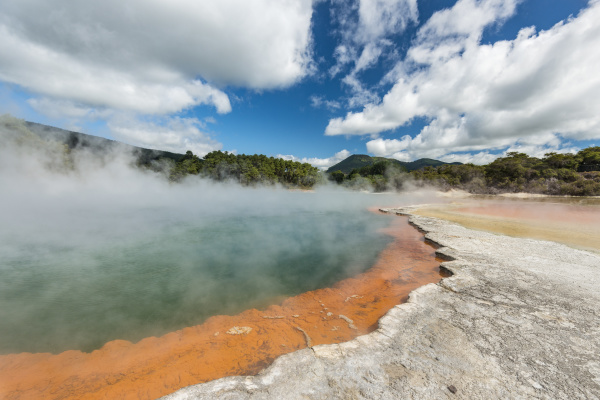 champagne pool heisse thermalquelle
