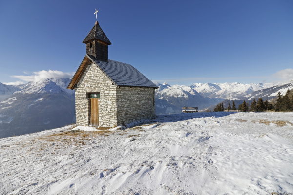 antoniuskapelle im schnee astental auf