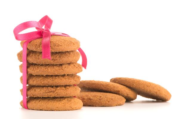 festlich verpackte kekse