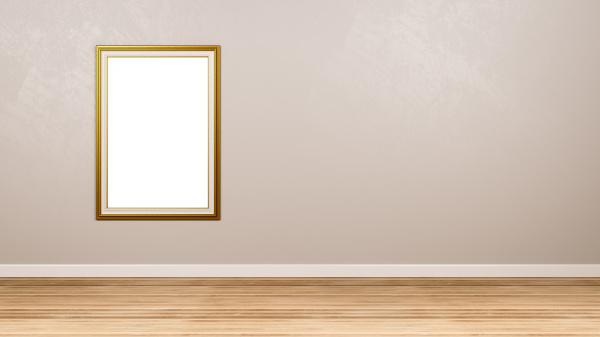 golden portrait leere bilderrahmen an der