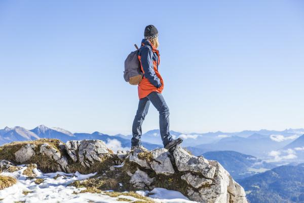 deutschland garmisch partenkirchen alpspitze osterfelderkopf wanderin