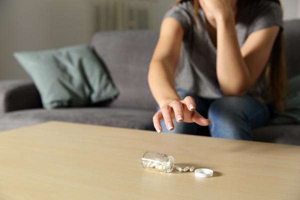 depressive maedchen fangen antidepressivum pillen