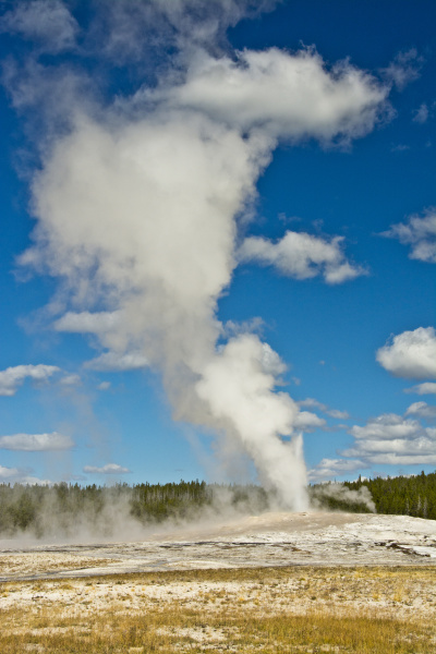 old, faithful, , erupting, , yellowstone - 27349001