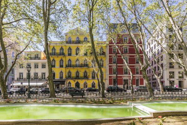 portugal, , lisbon, , old, buildings, at, avenida - 27371392