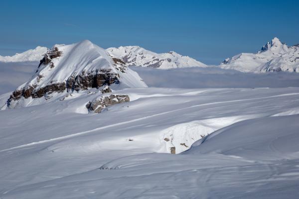 schneeiger winter franzoesische alpen skigebiet flaine