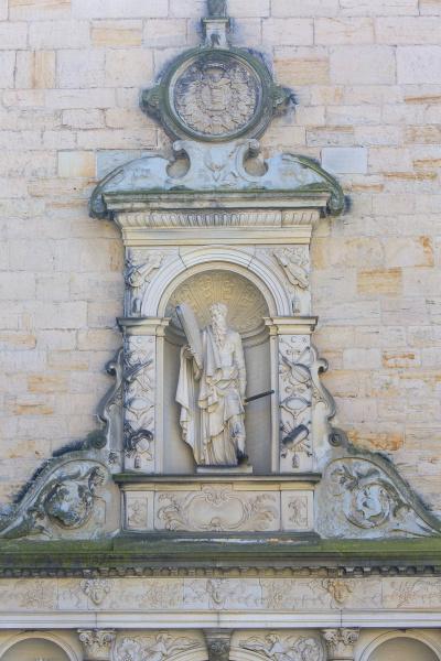 mittelalterlicheburg kronborg an der erzistenstrasse fassade