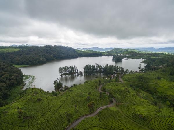luftbild des patenggang sees westjava indonesien