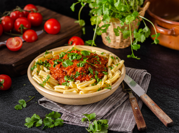 pasta, bolognese, homemade - 27500809