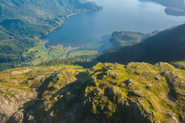 luftaufnahme von baranof island suedost alaska
