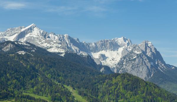 alpenpanorama von garmisch partenkirchen bayern deutschland