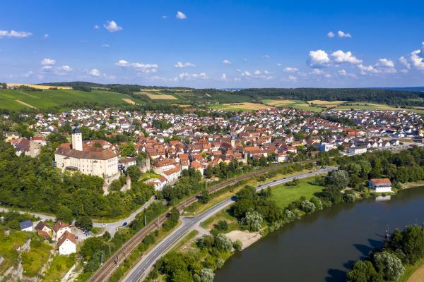 deutschland baden wuerttemberg odenwald gundelsheim luftaufnahme