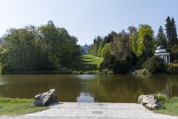 deutschland hessen kassel teich im bergpark