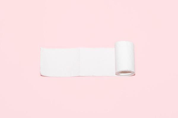 toilettenpapierrolle mit platz fuer text