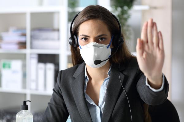 serioese telemarketer gestikulieren stoppen vermeidung covid