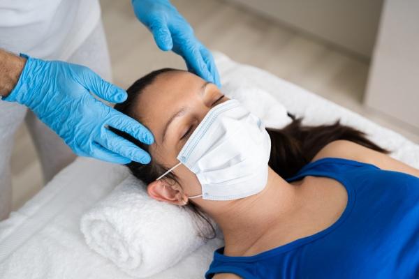 reflexologie kopf spa massage fuer frau