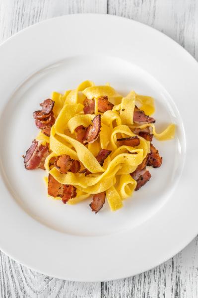 pappardelle pasta mit pancetta